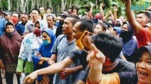Kades Ini Didemo Warga Diduga Salurkan BLT DD Tak Tepat Sasaran