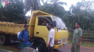 Relawan Desa Tanjung Beringin Dengan Sadar Bergantian Jaga Desa Mereka