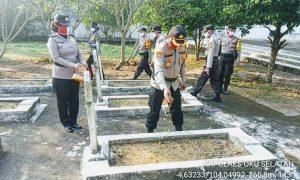 Rangkaian Hut 74 Bhayangkara, Kapolres Oku Selatan Pimpin Ziarah dan Tabur Bunga