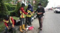 KepengurusanForum Suara Pemuda Sumsel (FSPSS) Kota Palembang menggelar aksi sosial bagikan takjil, Jum'at (23/04/2021), sore kemarin.