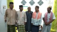Ustad Dadang Abdullah bersama Pengurus Mushola Baitul Makmur