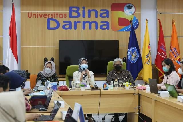 """Tampak Suasana Dimana Saat Universitas Bina Darma menjadi Tuan Rumah Wilayah Sumatera Selatan, dalam kegiatan """"Training of Trainer Pendamping BUMDES dan WIRA DESA"""" yang diselelenggarakan oleh Lembaga Layanan Tinggi Wilayah 2, Senin, 24 Mei 2021"""