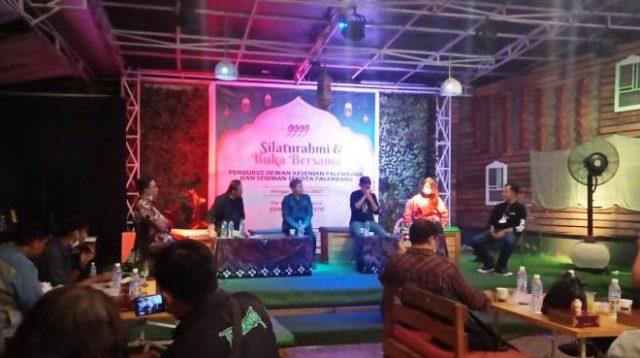 Tampak Suasana Dialog Seni Digelar DKP di Gunz Cafe Resto Palembang