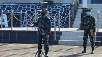 Tampak Suasana Saat Wakil Komandan Pangkalan Utama TNI Angkatan Laut (Wadanlantamal) IV Tanjungpinang Kolonel Marinir Andi Rahmat M, memberikan pengarahan pada saat apel gabungan dihadapan segenap Prajurit dan Pns Lantamal IV di Lapangan Apel Markas Komando (Mako) Lantamal IV, Jl. Yos Sudarso No.1 Batu Hitam Tanjungpinang, Kepulauan Riau, Senin pagi (03/5/2021).