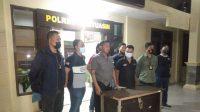 Suasana press konferens penyerahan Diri DPO Polres Banyuasin