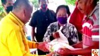 M Nasir, DPRD Fraksi Golkar Banyuasin Sambangi Masyarakat Terdampak PPKM Darurat
