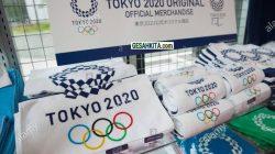 Merchandice Olimpiade Tokyo gunakan Frasa olimpiade atau Olympic 2020 (credited Alamy)