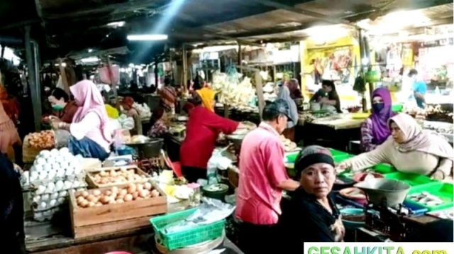 Suasana Pasar Gadingrejo Pasuruan Kota