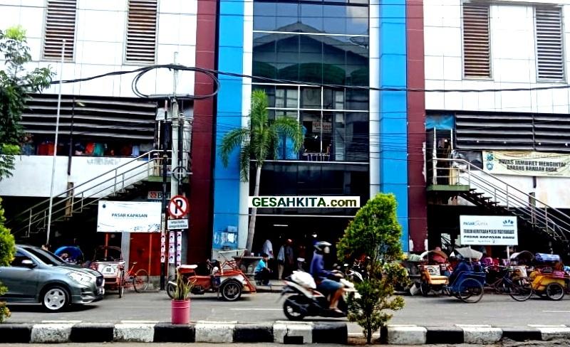 Pasar Kapasan surabaya (credited Pasar surya go id)