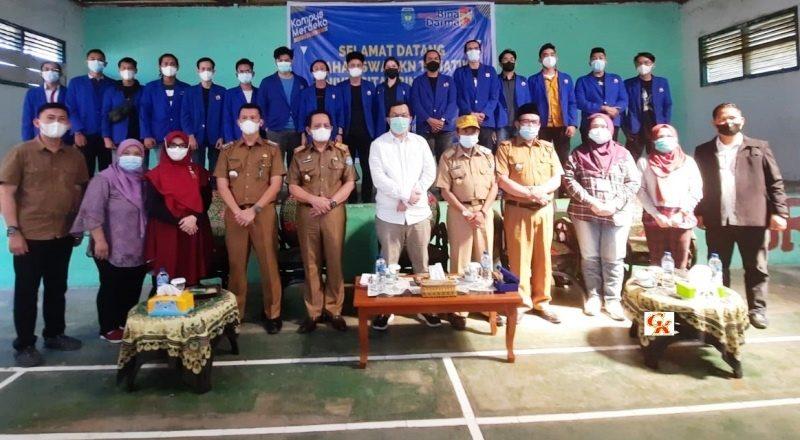 Suasana Penitipan Mahasiswa KKN Univesitas Bina Darma Palembang Dengan Pemkab Oku Selatan, Yang Bakal Melaksanakan KKN Di Kecamatan Banding Agung