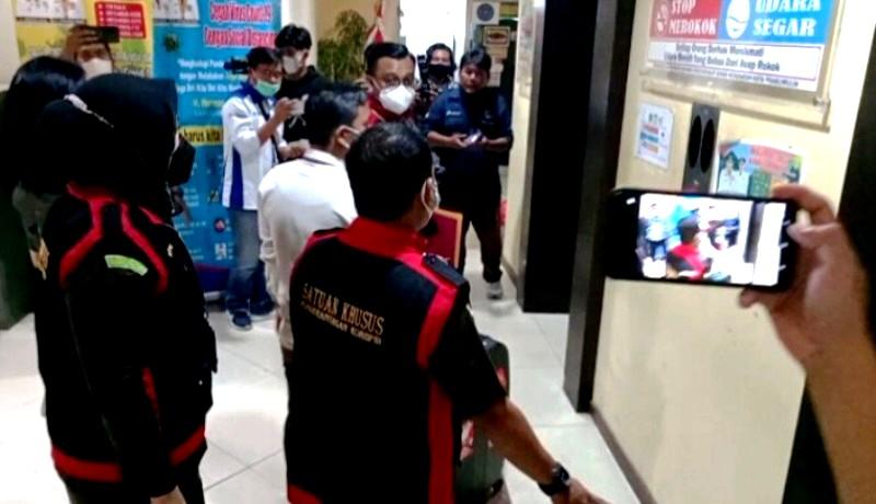 Foto Istimewah: SaatTim Jaksa Melakukan Pemeriksaan Dokumen Dinas Kesehatan Prabumulih ( Doc SMSI Prabumulih)