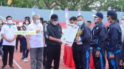 Hendri Zainudin Menerima Penghargaan Dari Gubernur Sumsel
