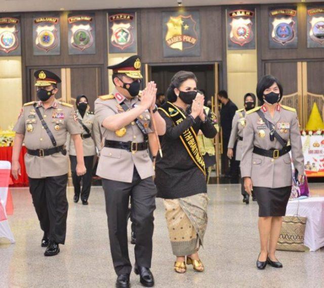 Suasana Hari Jadi ke-73 Polwan RI Dimana Saat Kapolri Jenderal Listyo Sigit Prabowo menyampaikan apresiasi setinggi-tingginya kepada para jajaran Polisi Wanita (Polwan), yang terus bekerja dan berjuang untuk melindungi segenap tumpah darah Bangsa Indonesia.