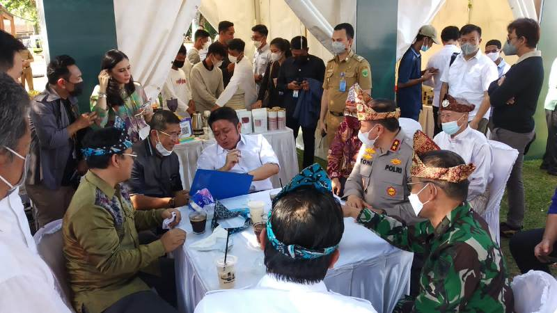 The South Sumatra Culture and Tourism Office held the 2021 Sriwijaya Coffee and Culinary Fest at the Sriwijaya Royal Archaeological Park, Monday (27/9) on Cempako Island, Sriwijaya Royal Archaeological Park (TPKS) Gandus, Palembang.