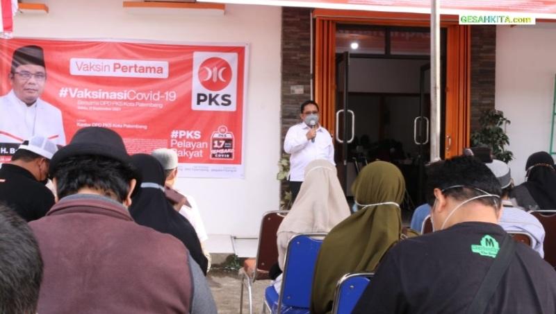 Suasana Vaksinasi Dilaksanakan DPD PKS Palembang Dengan Dinkes Palembang