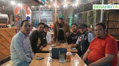 Suasana Di Guns Cafe