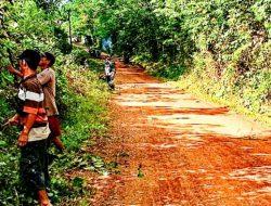 Pemdes Sukaraja Laksanakan Gorong Di Lingkungan Desa