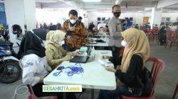 Suasana Vaksinasi Serentak Di Aula Kampus UBD Palembang