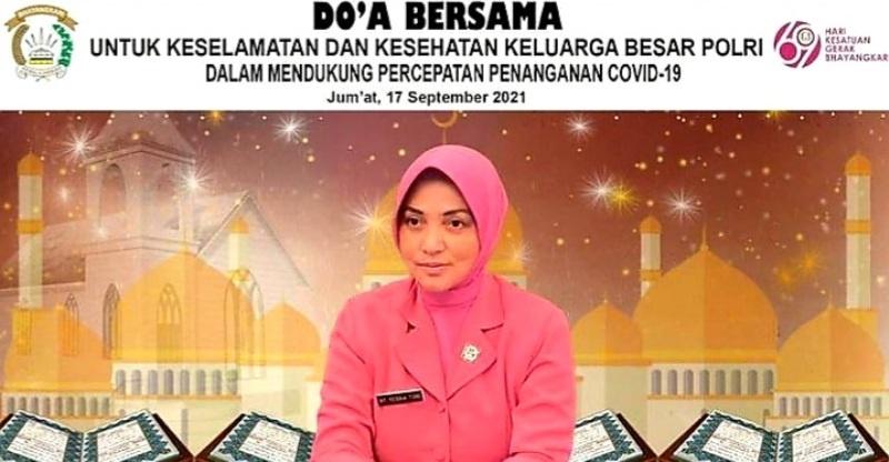 Yesika Toni Harmanto Ketua Daerah Bhayangkari Sumsel saat memimpin langsung zoom meeting