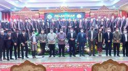 Gubernur Sumatera Selatan H.Herman Deru Saat Berpose Bersama Pengurus dan Anggota BPD HIPMI Sumsel