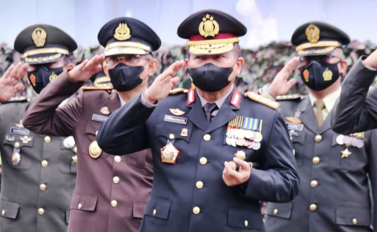 Kapolda Sumsel Ikuti Upacara HUT TNI ke 76