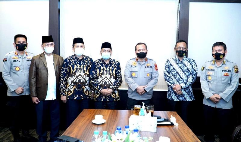 Pose Bersama Saat Kapolda Sumsel menerima Pengurus PP Muhammadya Sumsel