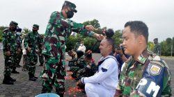 Salah Satu Prosesi Upacara Kenaiakan Pangkat Tradisi TNI AL Lantamal IV